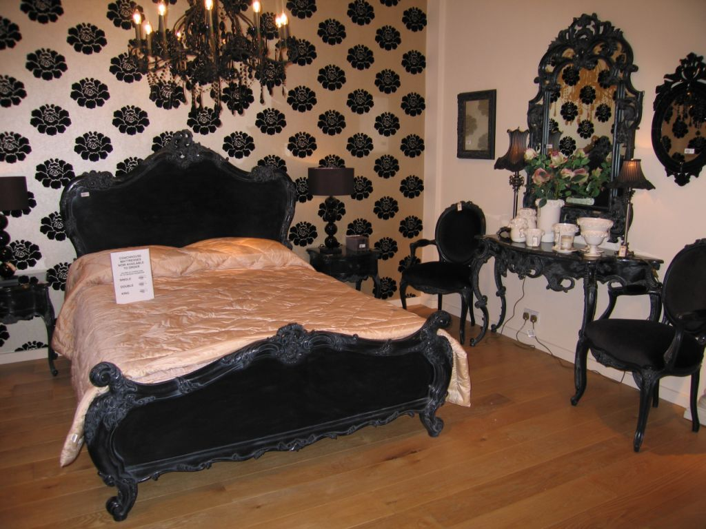������� ����� ������ ������� Black%20bed%20large.